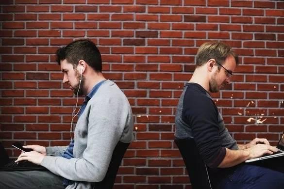 2019全球程序员薪酬报告:软件开发比机器学习抢手!40岁后收入下滑